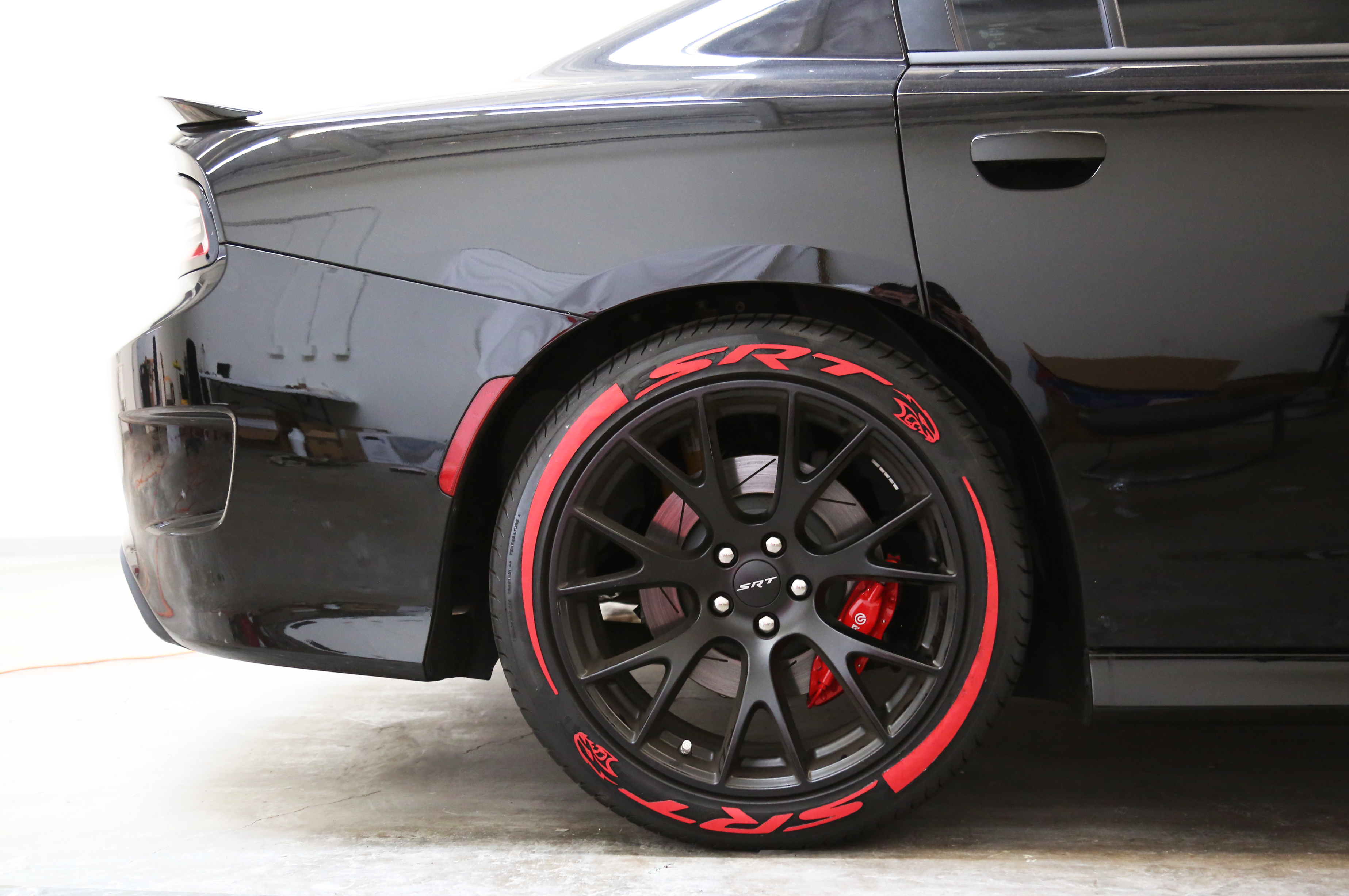 Srt Camaro Hellcat Srt Hell Cat With Red Tire Stickers
