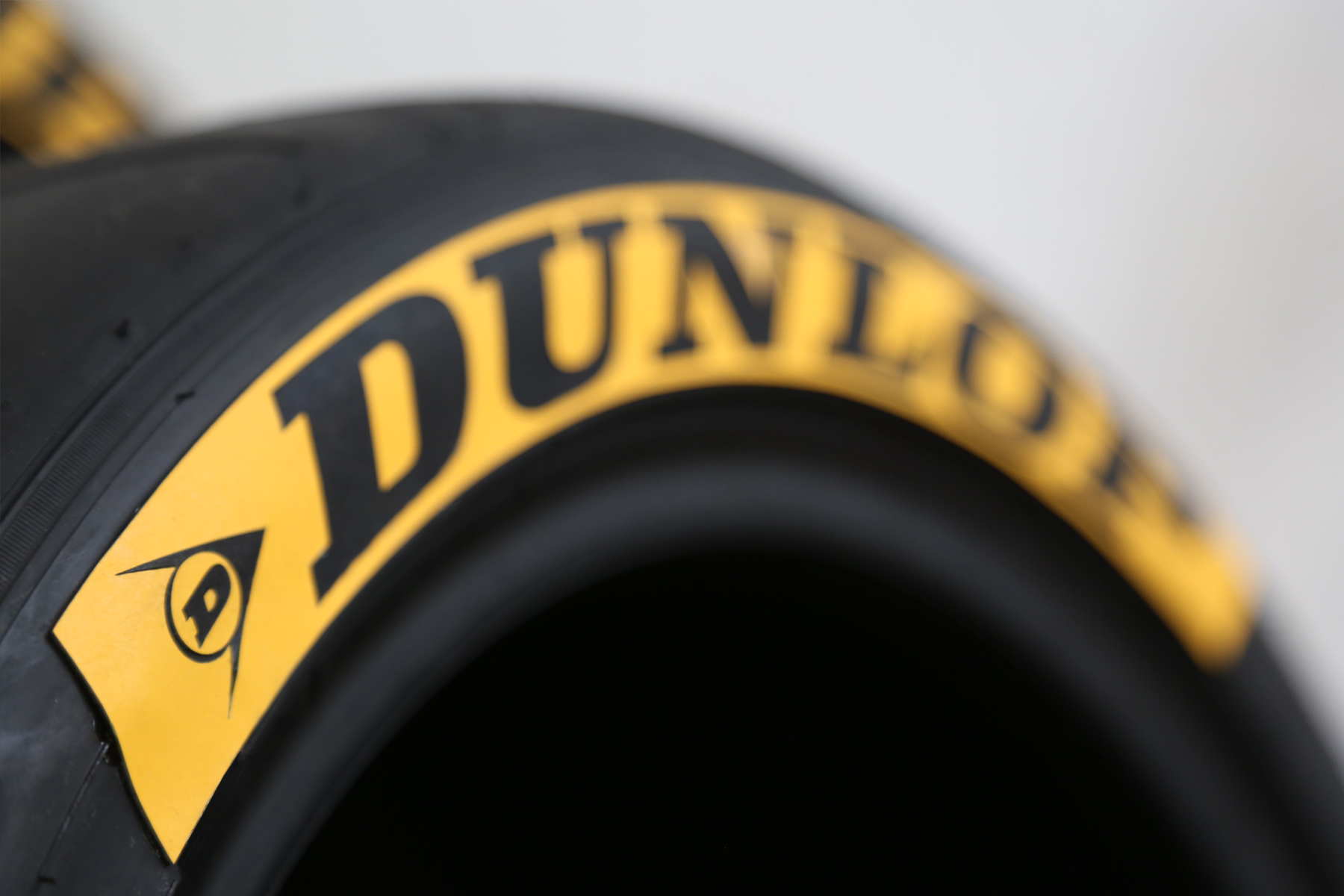 inverted style tire lettering