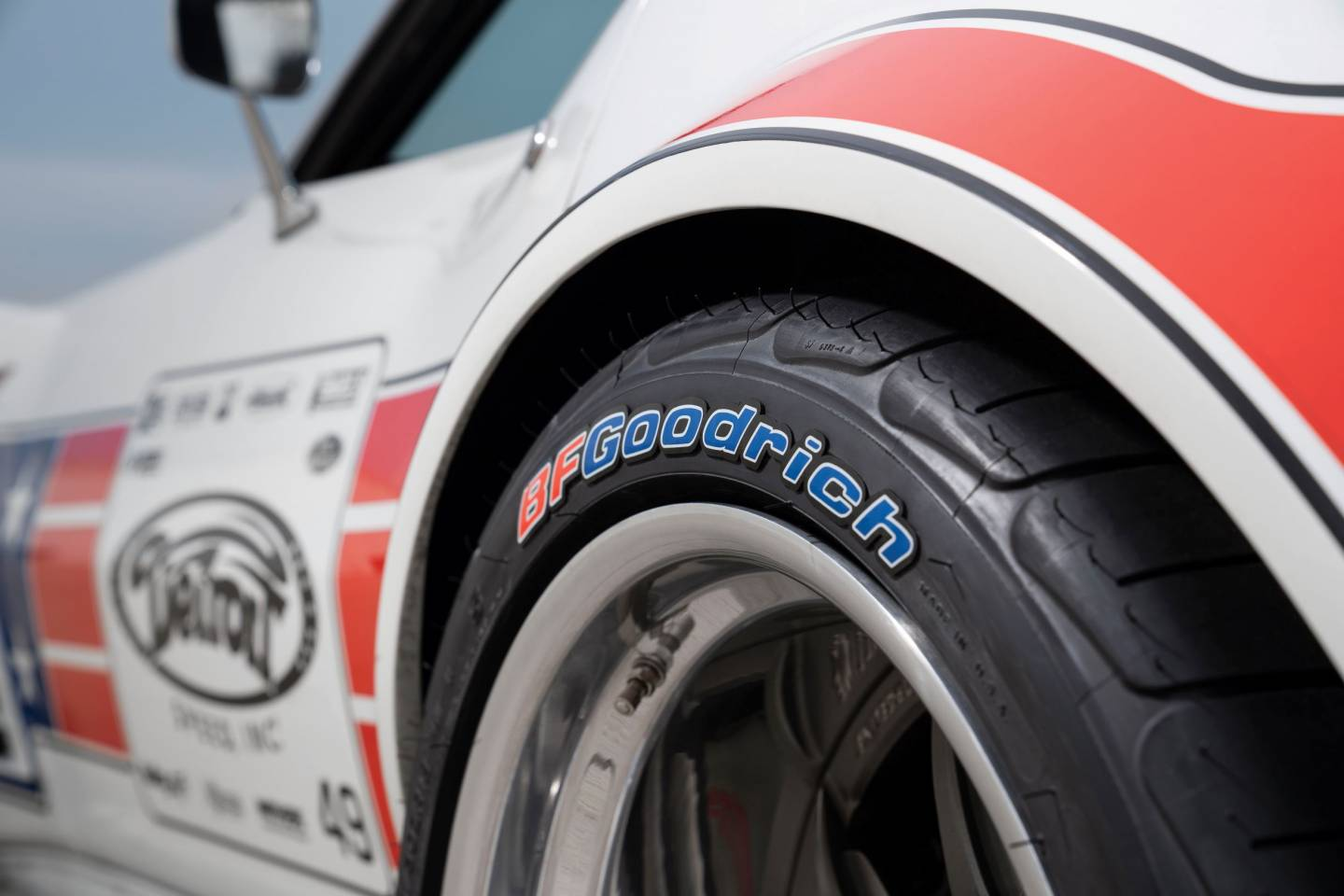 TIRE STICKERS | Tire lettering for tire sidewalls worldwide
